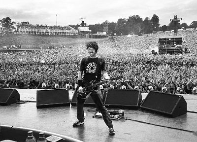crowd, Foo Fighters, Dave Grohl, grayscale, concert, musicians, amplifiers, Danny Clinch - random desktop wallpaper