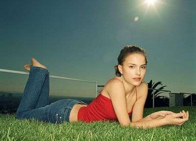 brunettes, women, jeans, actress, grass, Natalie Portman, barefoot - random desktop wallpaper