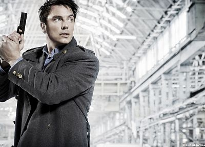 Torchwood, science fiction, handguns, Doctor Who, John Barrowman, Jack Harkness - random desktop wallpaper