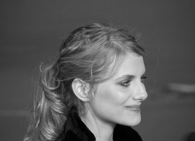 Melanie Laurent - random desktop wallpaper