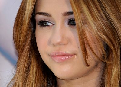 women, Miley Cyrus, celebrity, singers - random desktop wallpaper