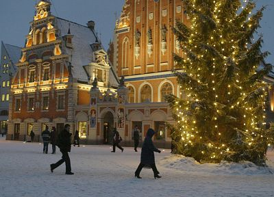 Latvia, Christmas lights, oldtown - random desktop wallpaper