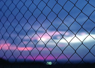 sunset, fences, bokeh, chain link fence - desktop wallpaper