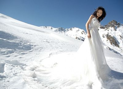 women, snow, brides - related desktop wallpaper