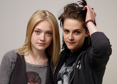 women, Kristen Stewart, actress, Dakota Fanning - random desktop wallpaper