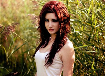 women, Susan Coffey, redheads, models, green eyes, depth of field, girls in nature - desktop wallpaper