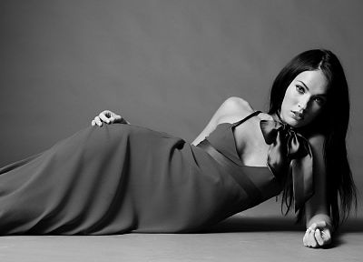 brunettes, women, Megan Fox, actress, celebrity, grayscale - desktop wallpaper