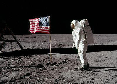 Moon, astronauts, American Flag, footprint - related desktop wallpaper