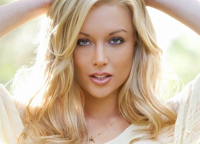 blondes, women, blue eyes, pornstars, Kayden Kross, faces, headshot - random desktop wallpaper
