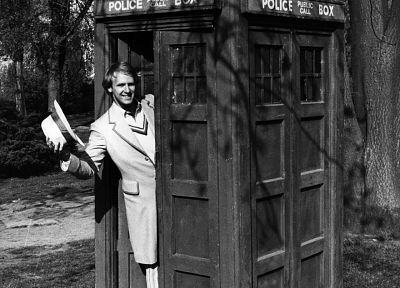 TARDIS, Doctor Who, Peter Davison, Fifth Doctor - random desktop wallpaper