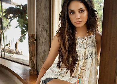 brunettes, women, actress, celebrity, Vanessa Hudgens - random desktop wallpaper