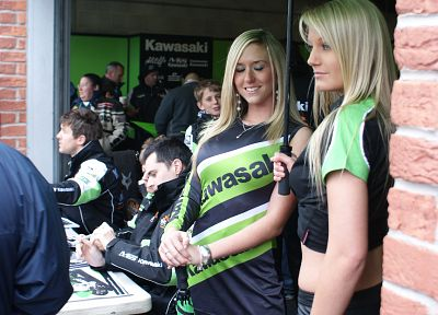 blondes, women, Grid Girls - random desktop wallpaper