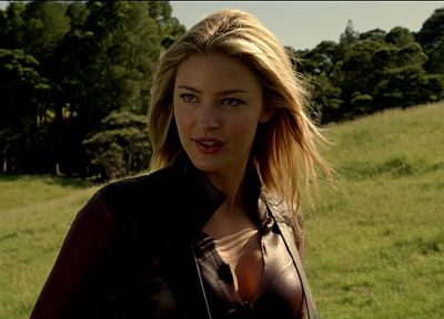 Legend Of The Seeker, The Seeker, Tabrett Bethell - random desktop wallpaper
