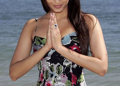 dress, green eyes, sunglasses, Aishwarya Rai, namaste - random desktop wallpaper