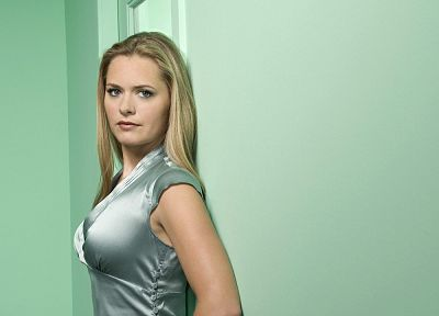 Maggie Lawson - desktop wallpaper