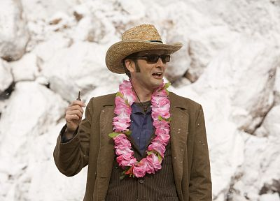 TARDIS, David Tennant, Hawaii, sunglasses, the end, Doctor Who, hats, keys, Tenth Doctor - desktop wallpaper