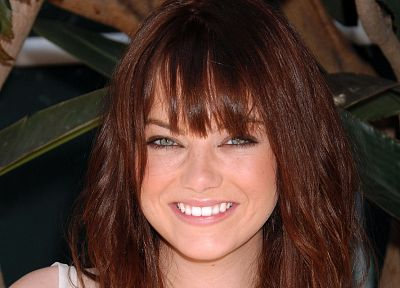 brunettes, women, close-up, redheads, outdoors, Emma Stone, green eyes, smiling, faces - desktop wallpaper