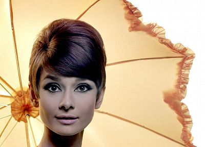 Audrey Hepburn, umbrellas - random desktop wallpaper