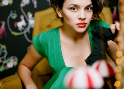 Norah Jones - random desktop wallpaper
