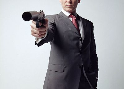 James Bond, Pierce Brosnan - random desktop wallpaper