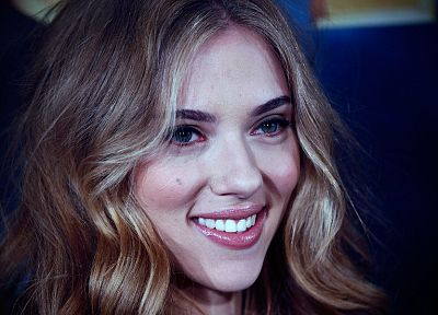 women, close-up, Scarlett Johansson, actress, smiling, faces - related desktop wallpaper