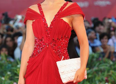 Natalie Portman, red dress - random desktop wallpaper