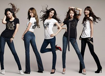 women, jeans, Girls Generation SNSD, celebrity, high heels, Asians, Seohyun, Korean, Korea, singers, Jessica Jung, Kwon Yuri, Im YoonA, Choi Sooyoung, bracelets - random desktop wallpaper