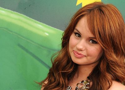 brunettes, women, close-up, eyes, redheads, celebrity, smiling, Debby Ryan, faces - related desktop wallpaper