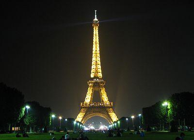 Eiffel Tower, Paris - popular desktop wallpaper