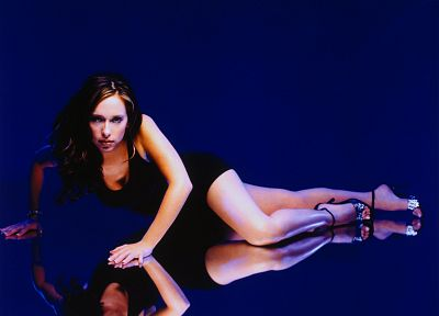 Jennifer Love Hewitt - related desktop wallpaper