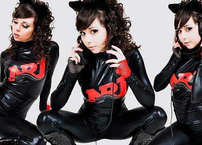 headphones, brunettes, boots, women, gloves, leggings, Ariel Rebel, curly hair, black nail polish, wetlook, fingerless gloves - random desktop wallpaper