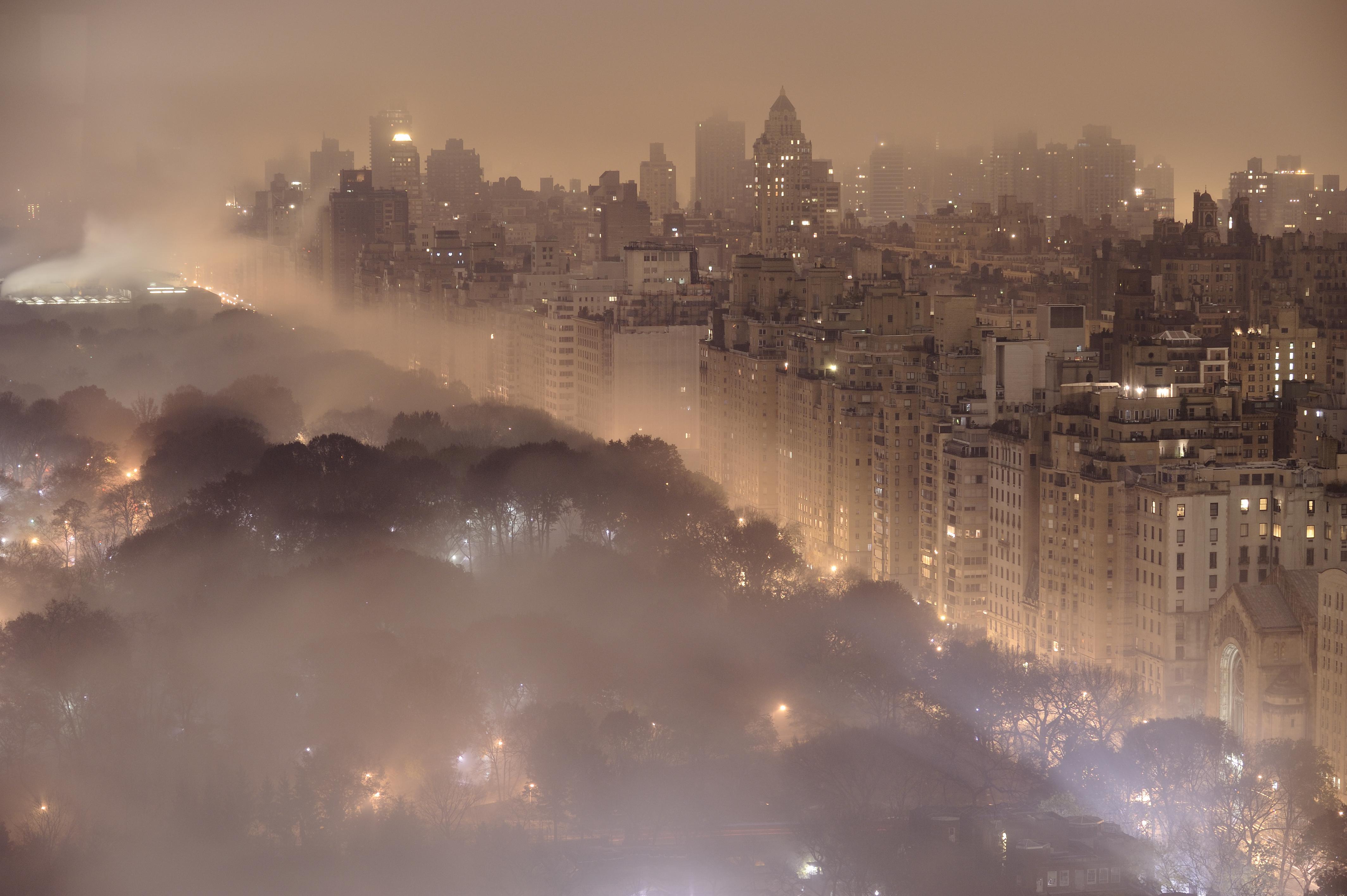 свет ночного города тает на земле - 3