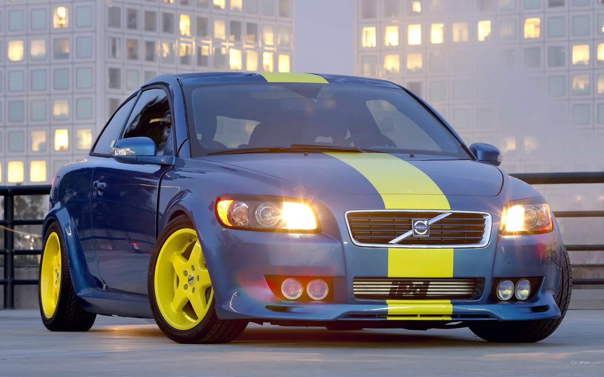 by just to look of is decent hard are it in volvo paint its as road comes you thankfully detailing actually exterior tests rear overwhelmed at shades the size quarter se twinturbo