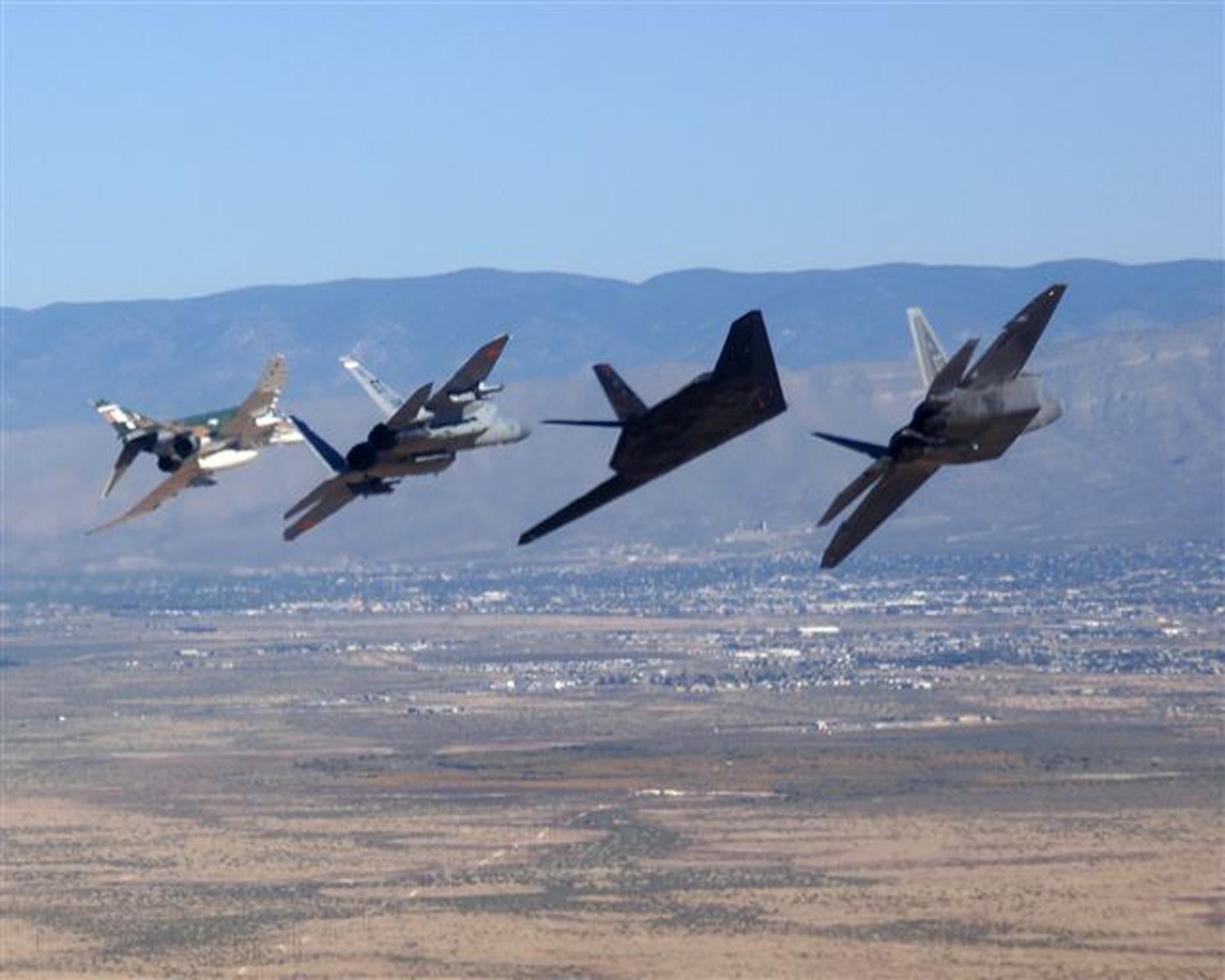 Aircraft Military F 22 Raptor F 4 Phantom Ii F 15 Eagle Free