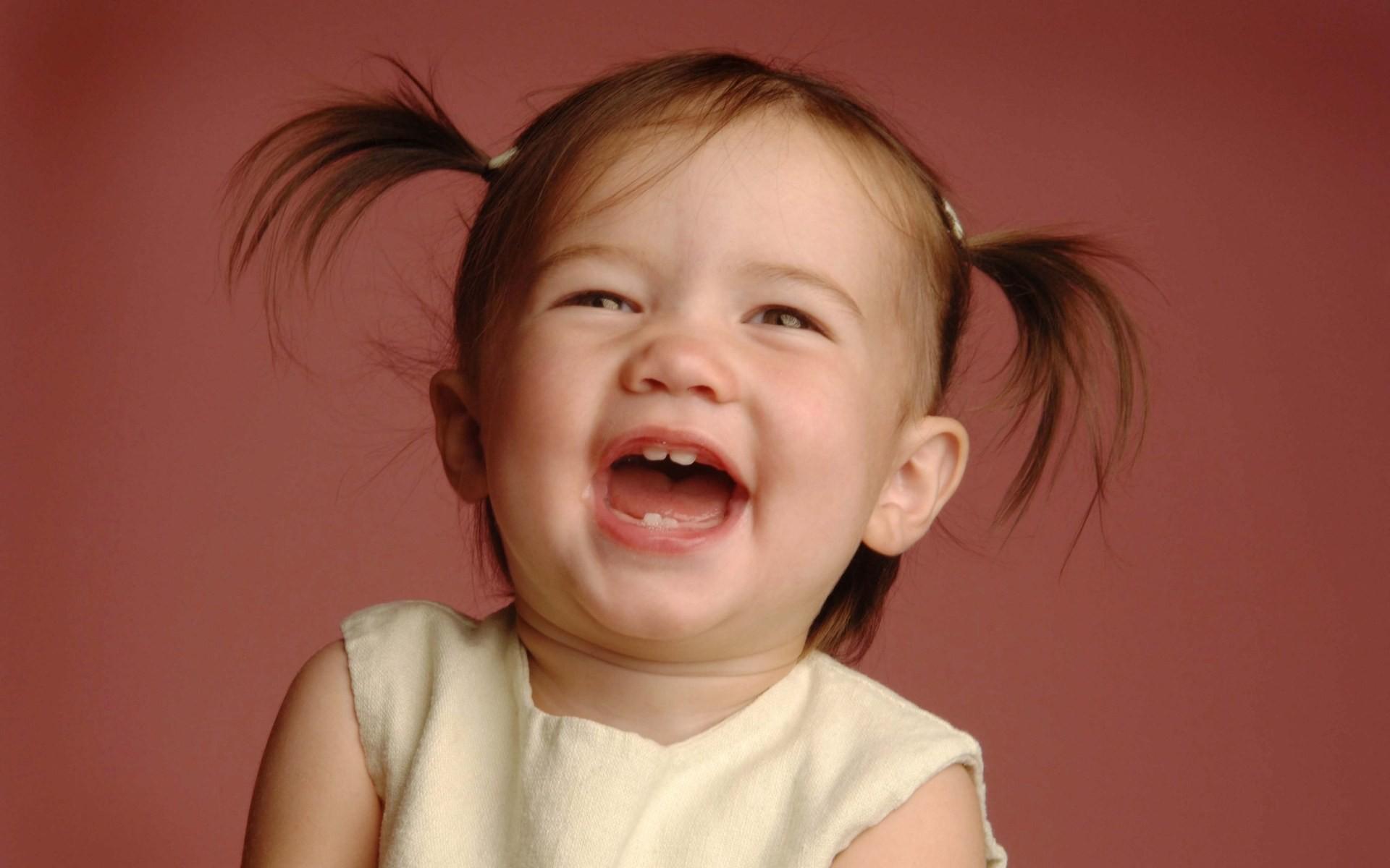 Страстные картинки, смешные картинки с девочкой которая улыбается