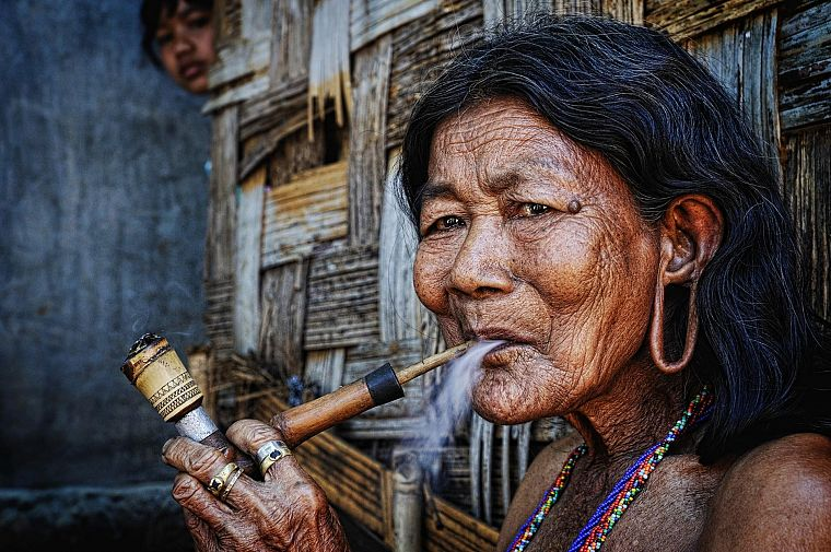 pipes, smoking pipe, portraits, Ly Hoang Long - desktop wallpaper