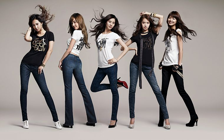 brunettes, women, jeans, Girls Generation SNSD, celebrity, high heels, Asians, Korean, bangs - desktop wallpaper