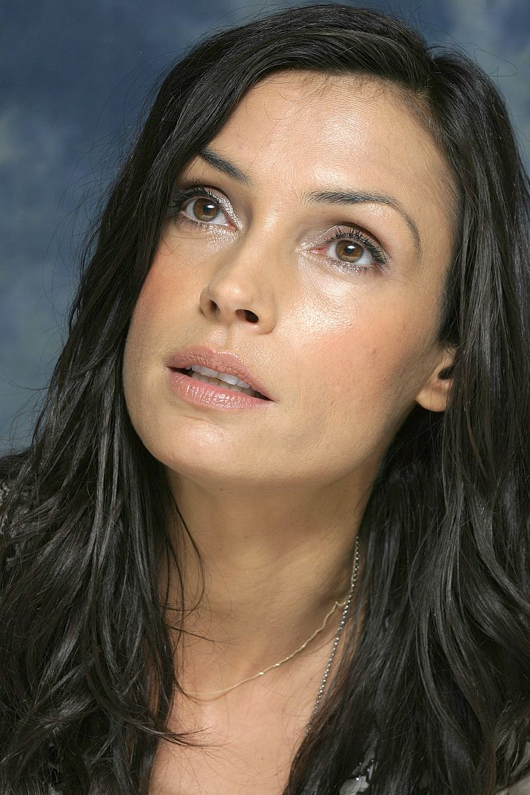 women, Famke Janssen, hazel eyes, black hair - desktop wallpaper