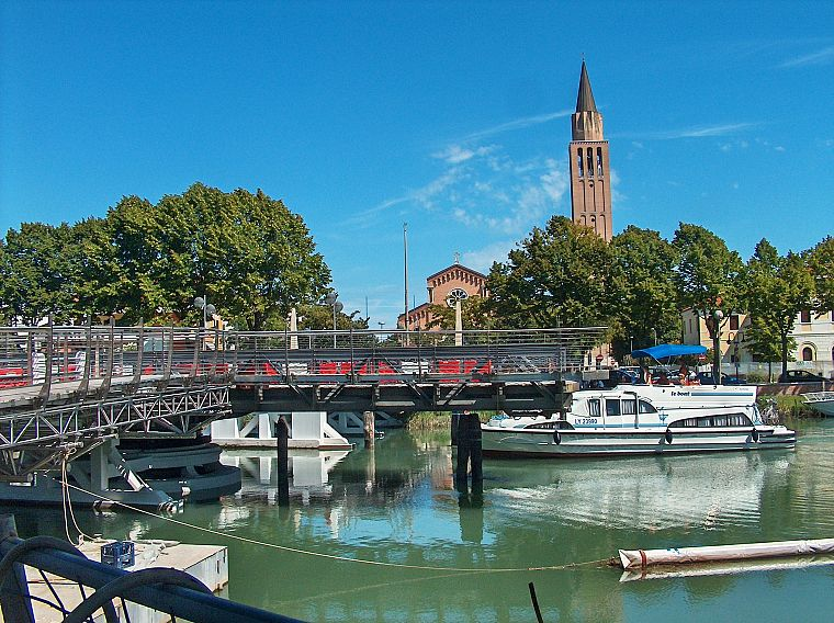 ships, summer, bridges, churches, Italy, vehicles, yachts, campanille - desktop wallpaper
