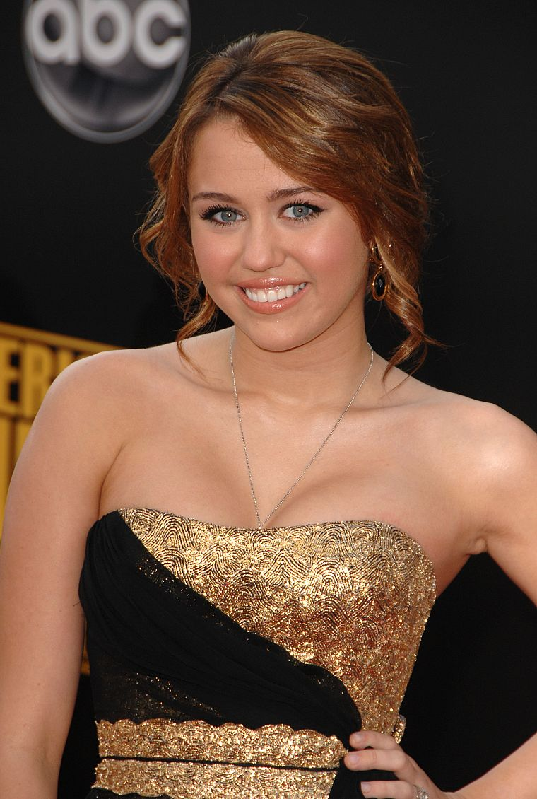 brunettes, women, Miley Cyrus, actress, celebrity, singers - desktop wallpaper