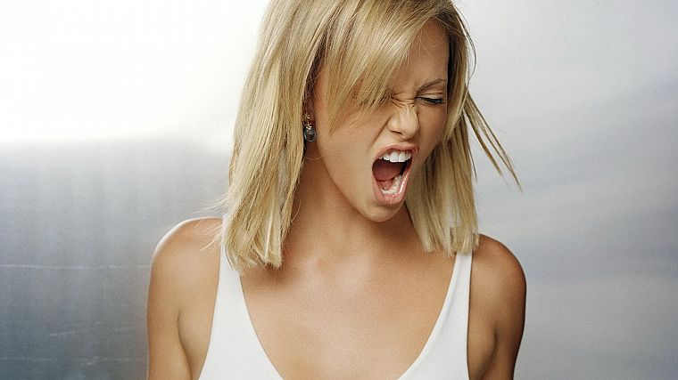blondes, women, actress, Charlize Theron, earrings - desktop wallpaper