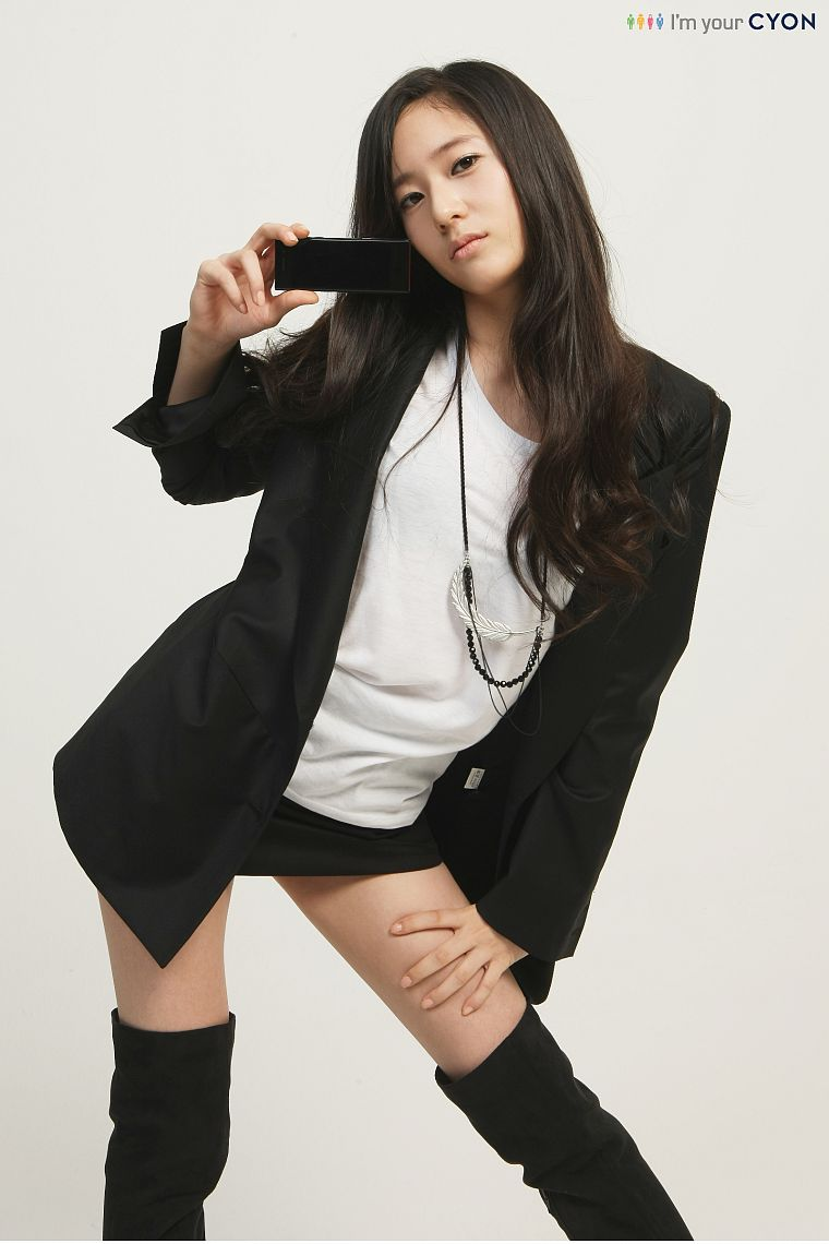 f(x), Krystal Jung - desktop wallpaper