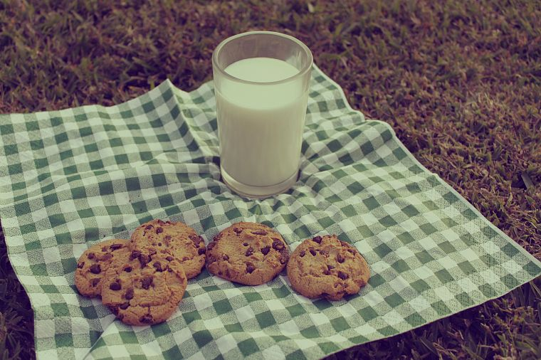 milk, cookies - desktop wallpaper