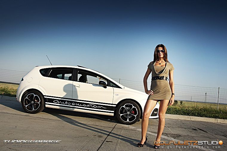 women, cars, Seat Leon, girls with cars, side view - desktop wallpaper