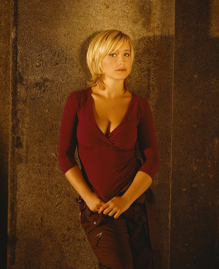 women, Allison Mack, Smallville, Chloe Sullivan - desktop wallpaper