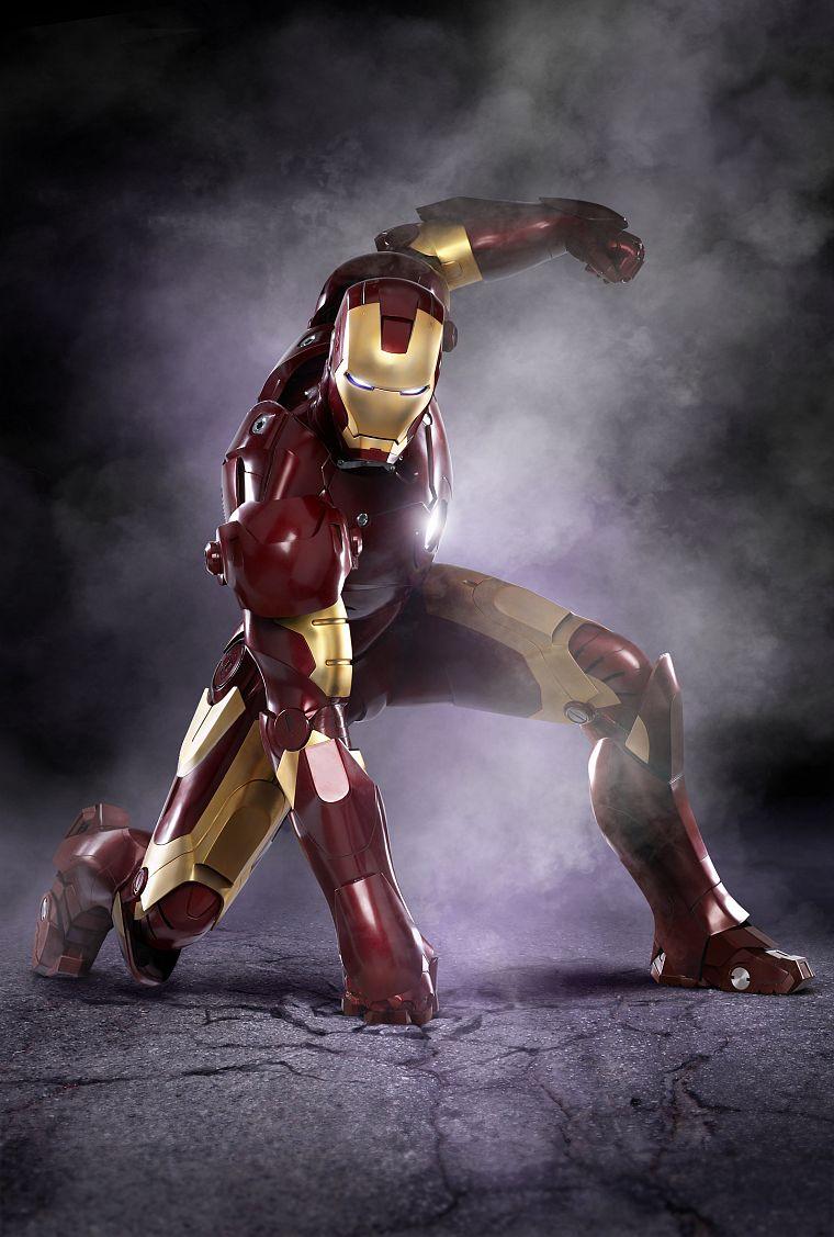 Iron man free wallpaper wallpaperjam iron man desktop wallpaper voltagebd Choice Image