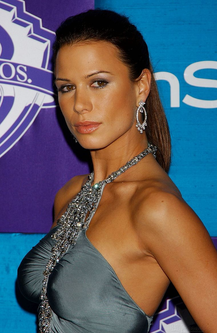 brunettes, women, dress, actress, brown eyes, Rhona Mitra, earrings, shoulders - desktop wallpaper