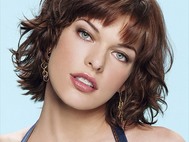 Milla Jovovich - desktop wallpaper