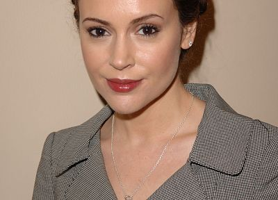 Alyssa Milano - random desktop wallpaper