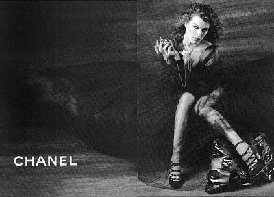 actress, grayscale, Milla Jovovich, fashion photography, purses, Chanel - random desktop wallpaper